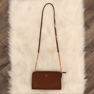 Tory Burch crossbody purse in excellent condition!